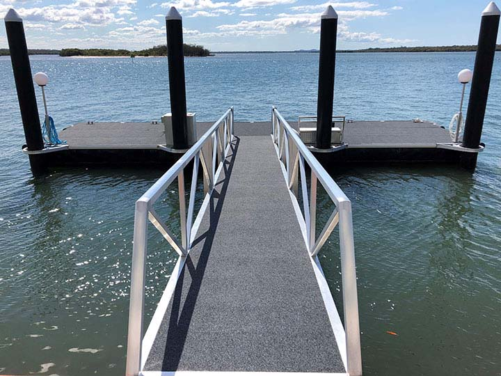 pontoon-fenders-jetty-gold-coast